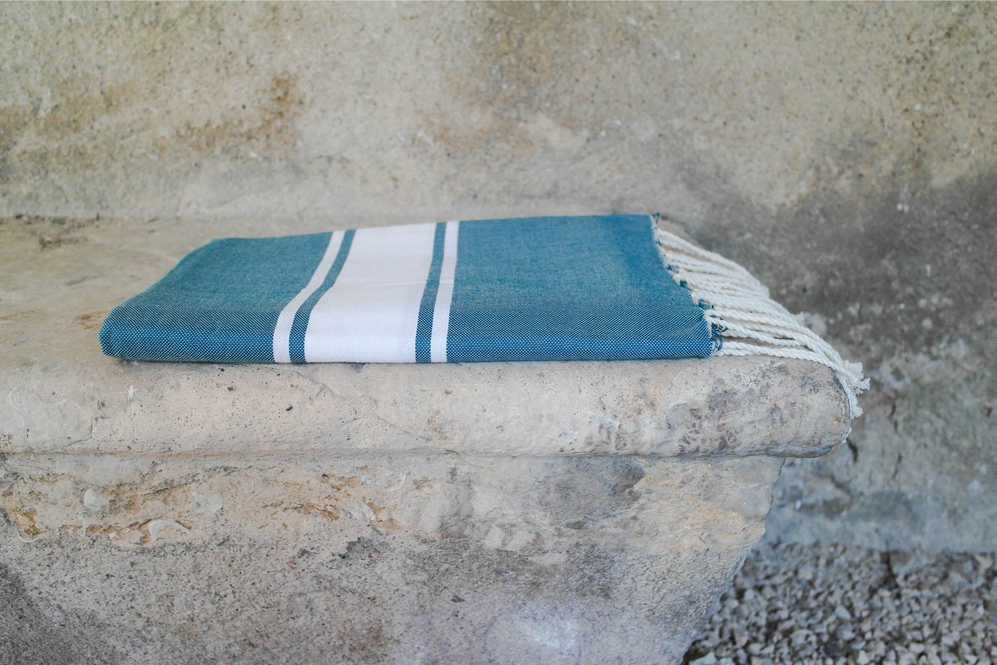 fouta tissage plat bleu canard 2m x 1m artisanat by sous les pav s la plage. Black Bedroom Furniture Sets. Home Design Ideas