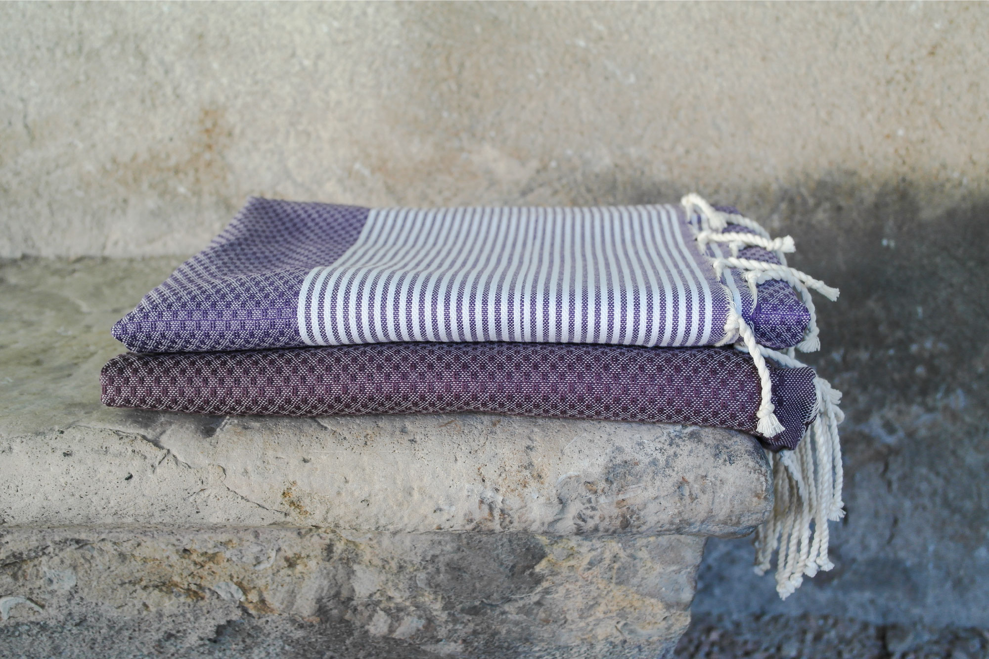 fouta tissage nid d abeille ray e violet aubergine 2m x 1m. Black Bedroom Furniture Sets. Home Design Ideas